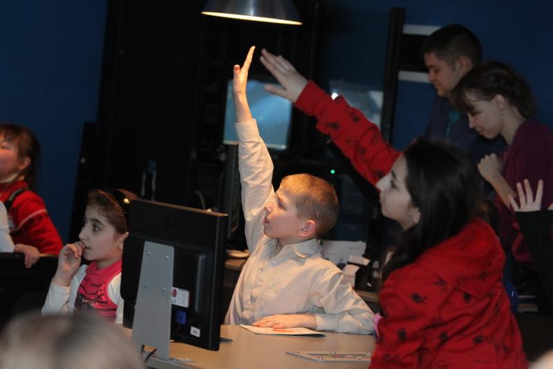 Фото к День космонавтики в Информационном центре по атомной энергии
