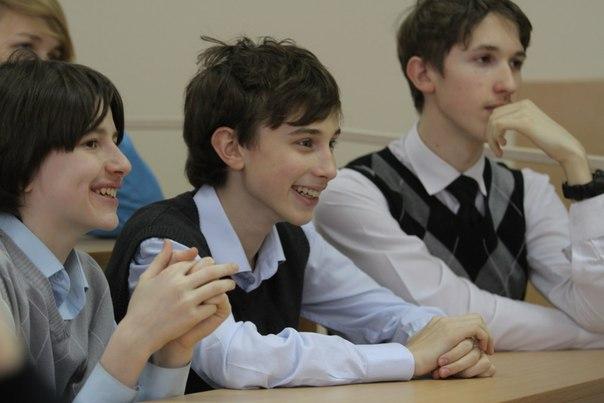Фото к Информационный центр отпраздновал День российской науки