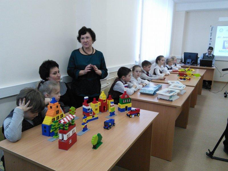 Фото к 19 марта в Новоуральске в средней школе № 58с углубленным изучением отдельных предметов  состоялось открытие первого роботокласса на площадке школы!