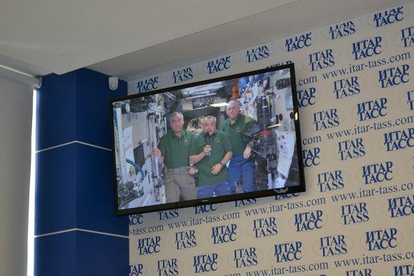 Фото к Видеомост ко Дню космонавтики