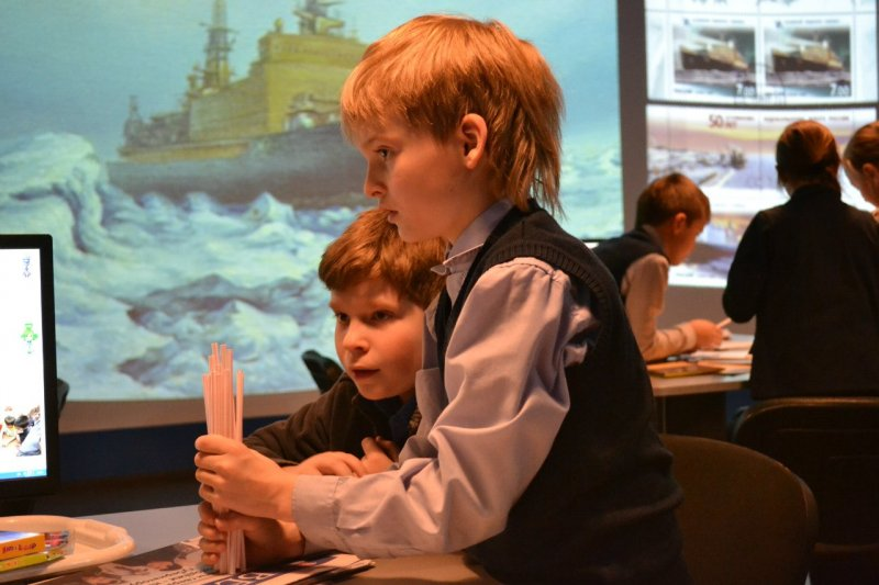 Фото к Мероприятия, посвященные 55-летию атомного ледокольного флота прошли в информационном центре по атомной энерги