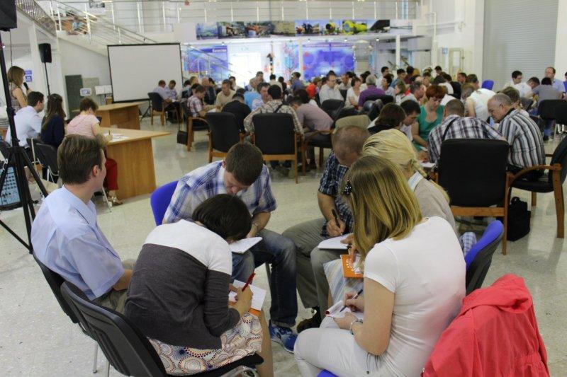 Фото к Проверка боем: на предприятиях Свердловской области прошли игры «Что? Где? Когда?»