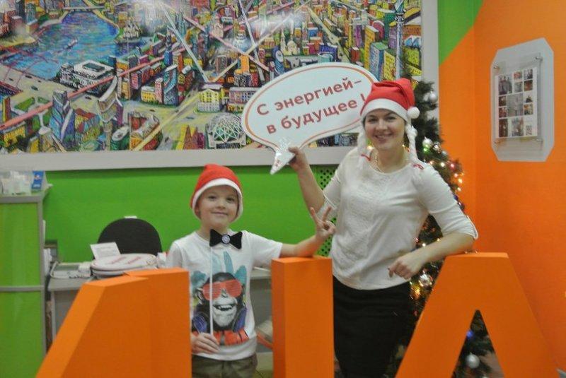 Фото к Научные елки в ИЦАЭ Екатеринбурга:  от печки Емели до паровоза братьев Черепановых