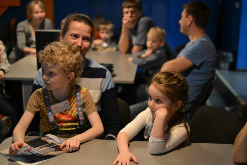 Фото к Мальчик-плита, или как энергетики провели занятия для проекта «ФИКСИруй опыт»