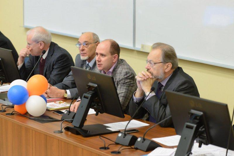Фото к Молодёжный научно-технический круглый стол:  ученые и специалисты о будущем атомной энергетики